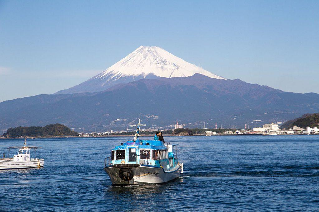 フェリーと富士山@ラブライブサンシャイン聖地巡礼ツアー